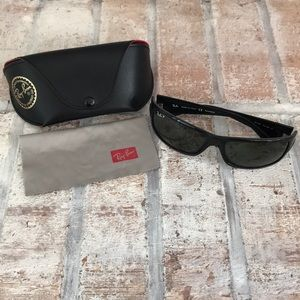 Ray-Ban Sunglasses, Case, and Cleaning Cloth